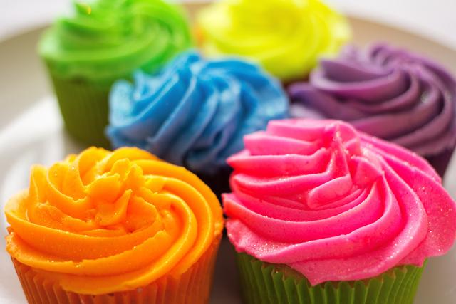 Цветной крем для торта