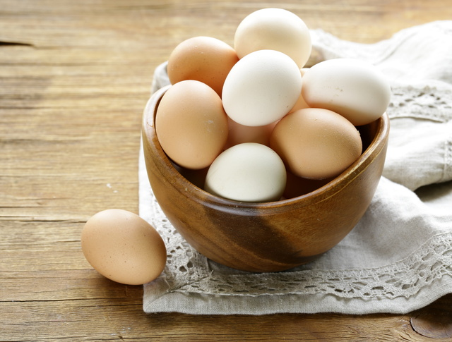 Существуют продукты и их сочетания, которые могут заменить яйца