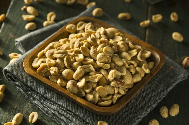 Лучше всего употреблять в пищу подсушенный арахис