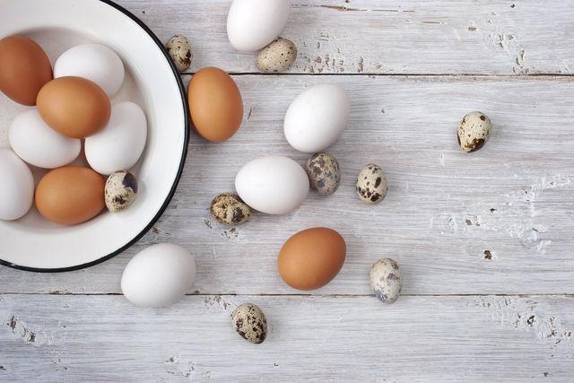 Яйца - это кладезь жизненно важных веществ, среди которых особое значение имеет витамин D