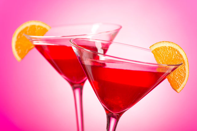 Сладкий терпкий вкус и утонченный травянистый аромат мартини идеально подходят для создания самых разных коктейльных фантазий