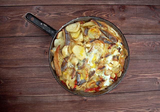 Финны разделяют нашу любовь к нерушимому сочетанию картофеля и сельди: обычно готовят из них запеканку