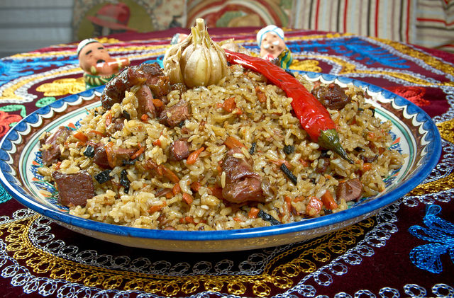 Плов — древняя пища, поскольку уже много веков назад мусульманские воины съедали перед сражением пиалу рассыпчатого риса с мясом и обретали силу