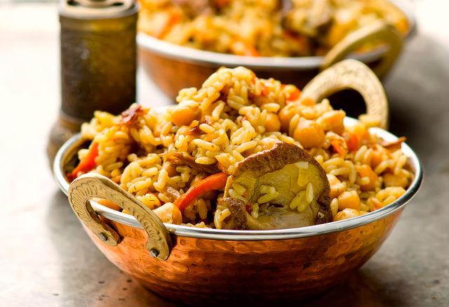 Современные рецепты настолько разнообразны и универсальны, что каждая хозяйка может проявить безграничную фантазию и создать неповторимый кулинарный шедевр