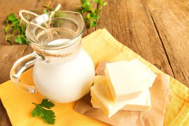 Цвет натурального сливочного масла — светло-желтый