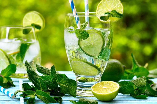 Как приготовить напиток из лимона и мяты