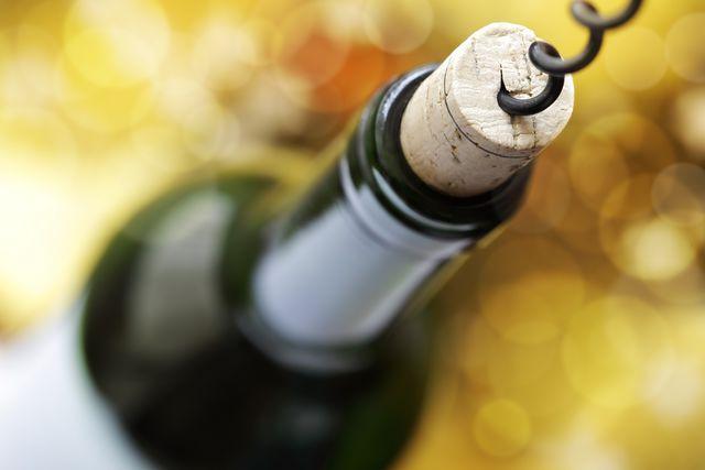 Открытую бутылку вина не хранят дольше трех суток