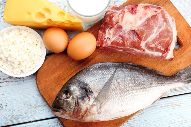 Белковая диета рассчитана на 7–10 дней, в каждый из которых можно терять по килограмму