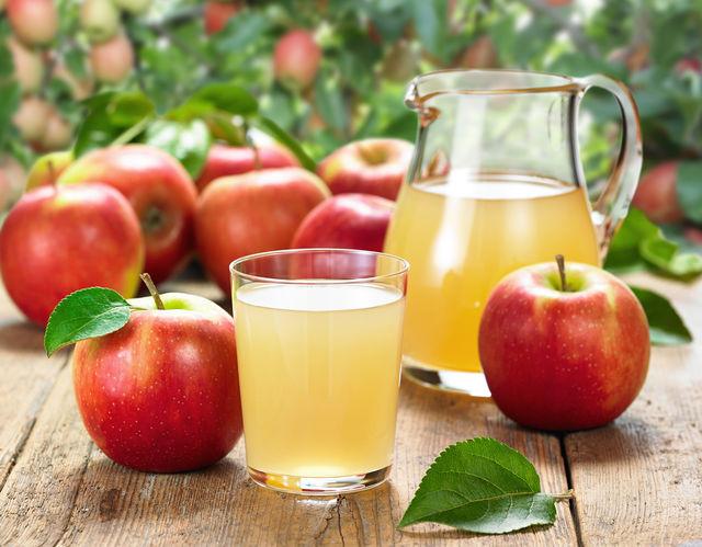 Используйте яблоки нескольких сортов (сладких, кислых, терпких, горьких) для пикантности и многогранности вкуса
