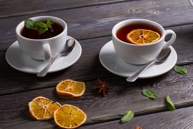Чай с мятой отлично расслабляет и дарит глубокий безмятежный сон
