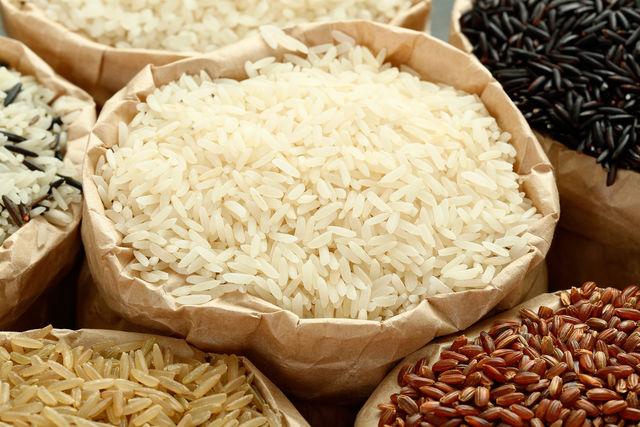 Из риса можно приготовить множество блюд, начиная от салатов и заканчивая десертами