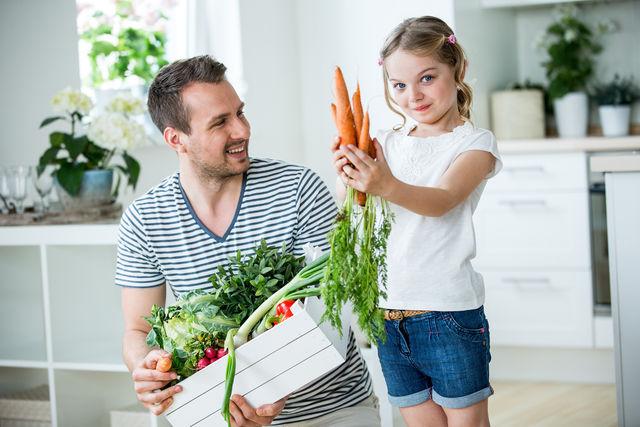 Рекламируйте еду и показывайте детям продукты, из которых будете готовить