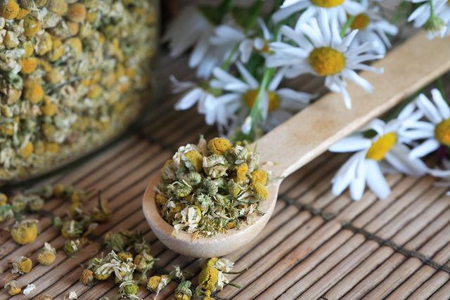 Универсальный рецепт укрепляющей маски — маска из лечебных трав