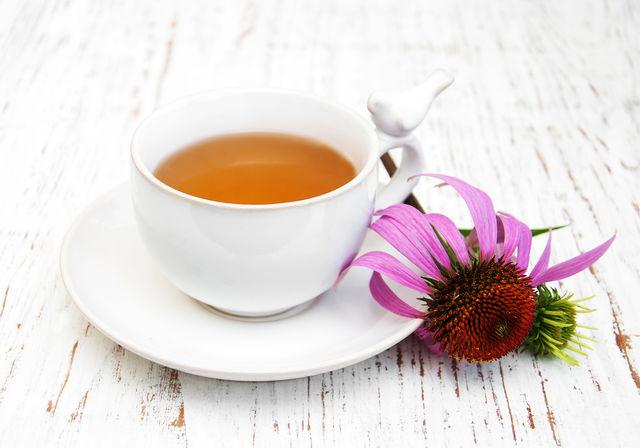 Чтобы было вкуснее, можно разбавить чай фруктовым соком или ягодным компотом