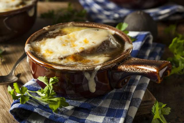 Как сделать луковый суп: классический рецепт, Официальный сайт кулинарных рецептов Юлии Высоцкой