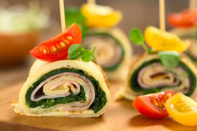 Беспроигрышное сочетание сыра и зелени гарантирует вашим блинам успех