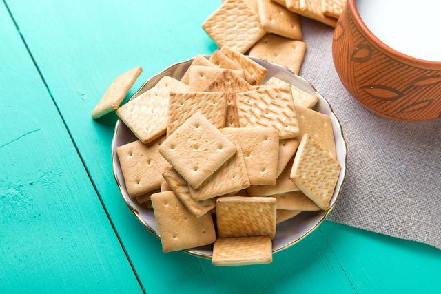 Полезные, легкие и вкусные — крекеры не перегружают желудок, дают ощущение приятной сытости