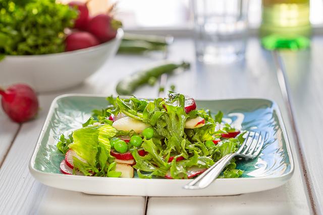 Хрустящий салат наверняка полюбится домашним