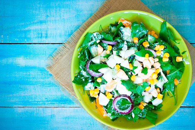 Кстати, этот салат отлично подойдет для гарнира к летним шашлыкам