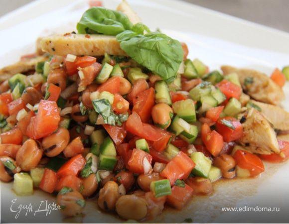 Салат с копченым окорочком и фасолью рецепт