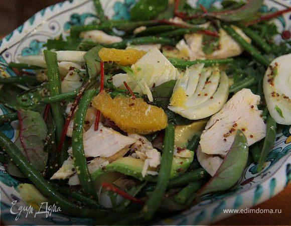 Салат авокадо с курицей и апельсином