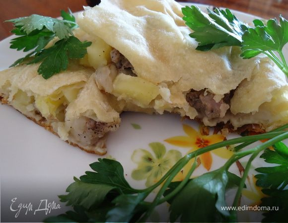 пирог из слоеного теста с мясом в духовке пошаговый рецепт
